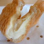 鯛きち - チーズクリーム鯛焼きの中身@2009/11