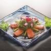 ビリーヴなんくるないさ - 料理写真: サーモンと海ぶどうのカルパッチョ