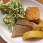とんかつ 安右衛門 - コシアブラの天ぷらと筍の煮物