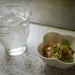 広島お好み焼き・鉄板焼き しょうちゃん - 焼酎ロックとアンキモ