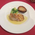 アルカション -  甘鯛のウロコ焼き 里芋のコンフィ、スナックエンドウ、空豆