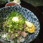 磯一 - 鮮度抜群の地アジを味噌タタキにしました。漁師料理なめろうです!1350円