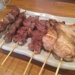鳥三 -  串焼き1