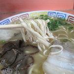 博龍軒 - 博多トンコツラーメンの源流とも言える老舗店らしいです。