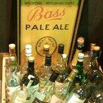 Bar March - 店先の空ボトル