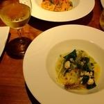 ピュールピュール -  色々魚介類の白ワインソーススパゲティ