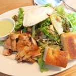 ザ タイムズ カフェ - オーガニック野菜のチキンサラダ・カブソース(スープ付¥1100)。野菜がメインディッシュ!