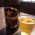石田家 - 日差しがビールに良く似合う!