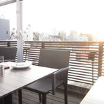 エノテカピッツェリア 神楽坂スタジオーネ -  ビルの屋上のビアガーデン