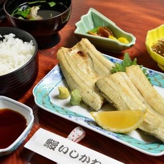 鰻本来の味を楽しめる「白焼定食」