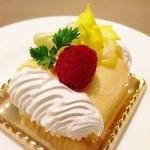 ベルクオーレ - メレンゲのケーキ