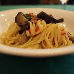サルターレ -  和茄子のタリオリーニ ペペロンチーニ ゼンゼロ風味