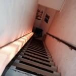27725842 - 階段下りてね〜♫