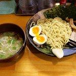 麺屋 桑田 - 茶山(さざん)味玉つけめん、950円。