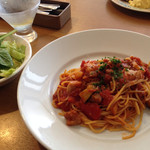 27730588 - ローストチキンと茄子のトマトスパゲティランチ。