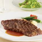 グランディール -  牛リブロースは人気の一皿。