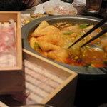 やまとなでしこ - 京風トマトコラーゲン鍋