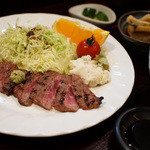 ダボス -  ランチのステーキ定食