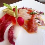 バー&ダイニング 「クラウズ」 - 真鯛のカルパッチョ トマトとホワイトバルサミコソース様~軽い酸味が良いですね♡