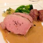 ザ・カステリアンルーム - 本日の豚肉料理様はとても素敵な筋肉メニュー!!最高に好きです♡