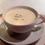 27751514 - ヴィシソワーズ冷製スープ様!暑くなってきた今日この頃には最適のひんやり丁寧なお味♪