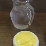 ビストロ・エピ -  お水とバター