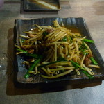 龍泉亭 -  レバニラ炒め