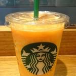 スターバックスコーヒー -  マンゴーパッションティーフラペチーノ:410円 (2014/5)
