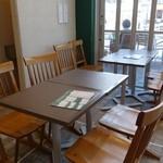 箱根ベーカリーセレクト - (2014/4月)人用の屋内カフェスペース