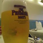 27757162 -  一杯目はビール。