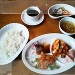 フラノダイニングカフェ -  ランチメニュー サラダ・スープ付 980円