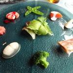 27759564 -  魚介のオードブル(海老のフランボワーズソース、スモークサーモン、鰊と新じゃがいも、貝柱のゼリー、酢漬けのお野菜たち)