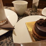 ラ・メゾン・デュ・ショコラ 丸の内店 - ガトーとカフェ