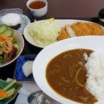 たんぽぽ -  日替わり定食(700円)はロースカツカレー
