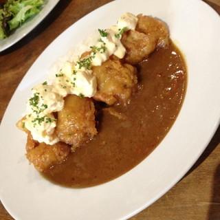 tenement - チキン南蛮カリー(1,100円)季節のサラダ・スープが付きます。2014年5月