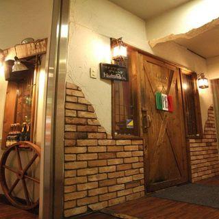 ハーレーパーク -  温もりのある木の扉が今宵の宴へと誘います
