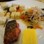 ホテル ルートイン - 料理写真: (2014/4月)盛りつけた和食