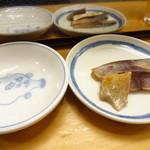 お茶の水 こえど - 鯖燻製(300円:値札通り)ちょっと臭いけど、まあ、有