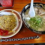 Menyarazoku -  「ラーメン」と「半焼き飯」
