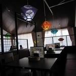 ウェルカムネパールレストラン -  落ち着いた雰囲気の店内☆