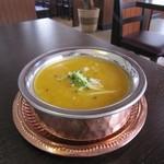 ウェルカムネパールレストラン -  ネパールダル(ネパールの豆カレー)
