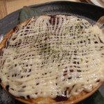 Ajidourakubenten - チーズたっぶりたこ焼きグラタン