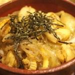 カキ小屋 -  帆立のすき煮丼 1,000円=14年5月
