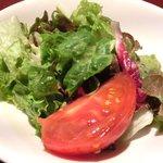 ビストロ ラフ - ラフ丼(中) 1100円 のサラダ