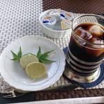 Satoyamakafetasaburousansou - ランチのアイスコーヒーと豆しとぎ!