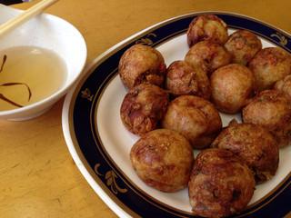 元祖 味穂 - 熱々のたこ焼きをかつお出汁に くぐらせて いただきます