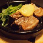 27790647 -  豚ばら肉の塩茹で小松菜添え MAILLEマスタード風味