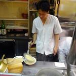 久留米屋ラーメン - 数年前から息子さんが仕切っておられます