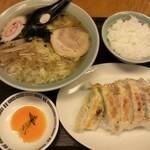 庄助 - 料理写真: ランチ時の定食