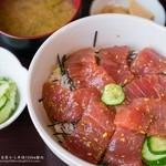 まるい食堂 - マグロ丼(500円)